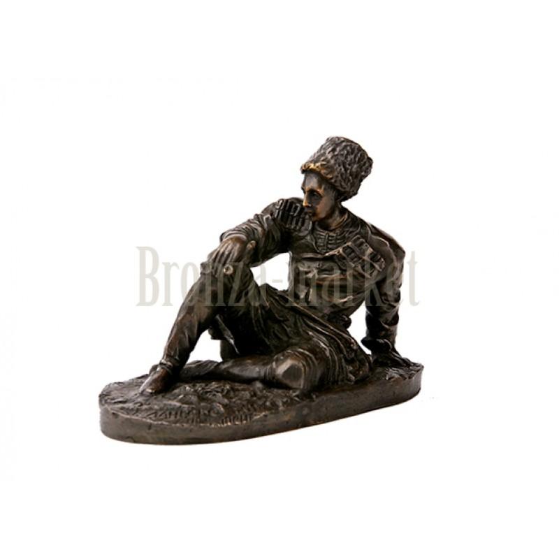 Скульптура Черкес с трубкой