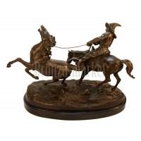 """Скульптура """"Ловля дикой лошади"""""""